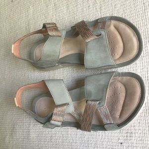 Clarkes Trigenic Sandals Size 10